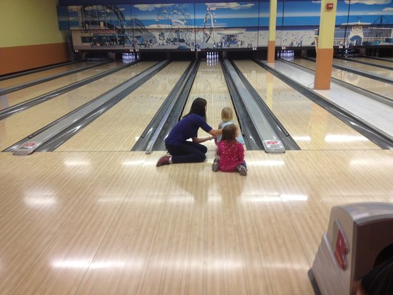 Boardwalk Bowl Entertainment Center: BUMPER BOWLING