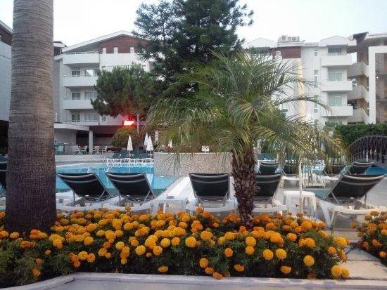 Side Resort Hotel: TA_IMG_20170625_203154_large.jpg