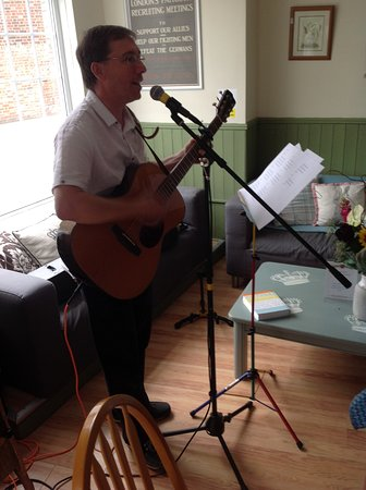Aylesford, UK: Worship time lead by our own reverend Ash