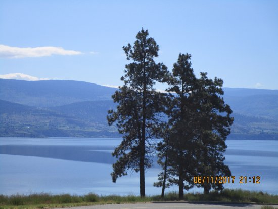 Summerland, Canada: Gorgeous Views From The Garden