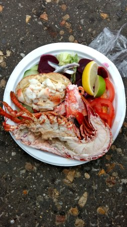 Cookie's Crab Shop: Lobster and crab salad