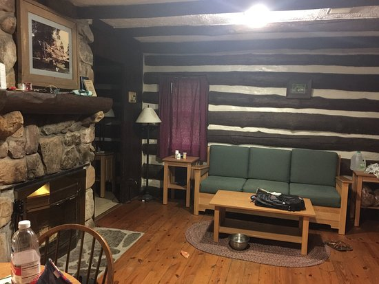 Clifton Forge, VA: Cabin 4.