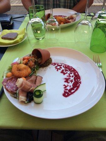 Petange, Luxembourg: Un repas sympathique et une cuisine raffinée. Un personnel très souriant et agréable. À essayer