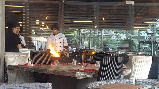 La Divina Comida: Excelente servicio y el brunch estaba riquísimo!!! Tienen un menú muy amplio. Gracias Don Alessi