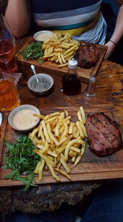 Эпин, UK: Our amazing sirloin steak.