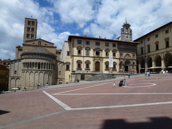 Piazza Grande: In the Piazza, looking at S M della Pieve