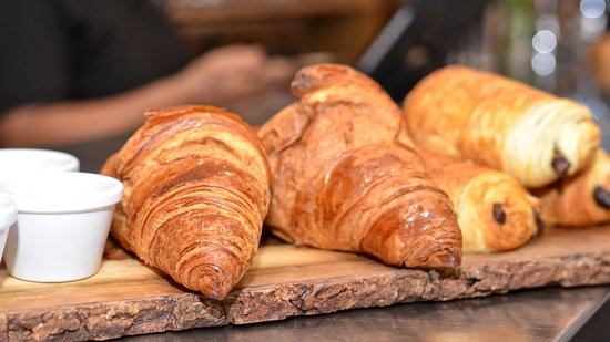 Surbiton, UK: Croissant and Pain au Chocolat