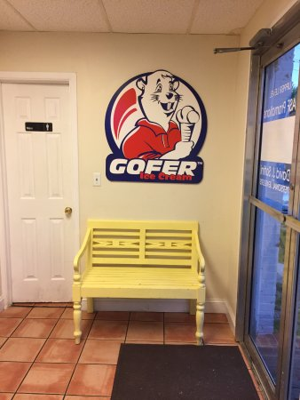 Greenwich, CT: The Gofer