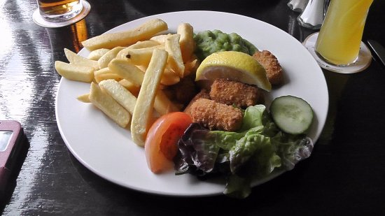 Coombe Bissett, UK: Scampi & Chips