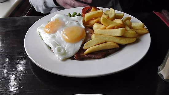 Coombe Bissett, UK: Gammon, egg & Chips