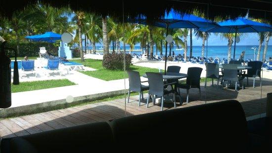 أليجرو كوزوميل ريزورت: View from Rosa Hall Lounge