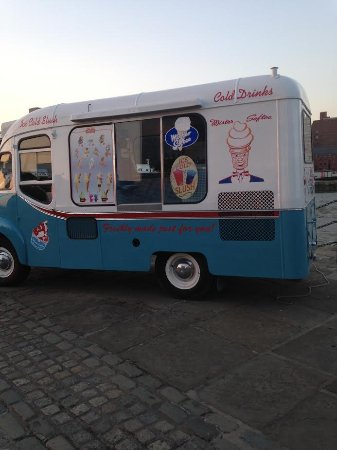 Albert Dock : Mister Softee!