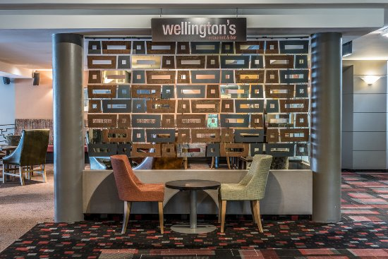 Waipuna Hotel & Conference Centre:  Wellingtons Restaurant & Bar at Waipuna Hotel