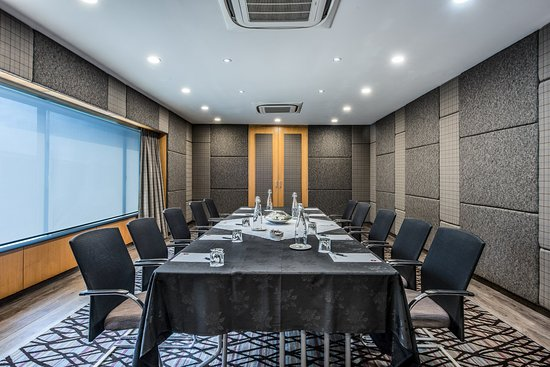 Mount Wellington, Νέα Ζηλανδία: The Regent Boardroom is a formal style, wood paneled boardroom with plenty of natural light