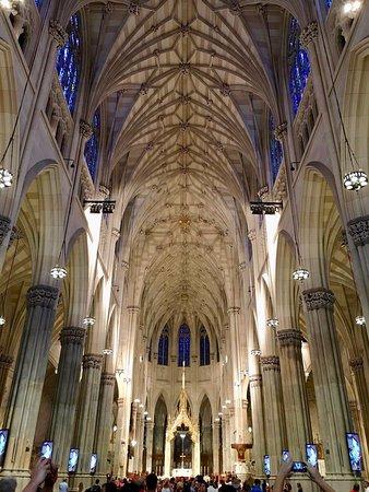St. Patrick's Cathedral: Center aisle facing toward altar