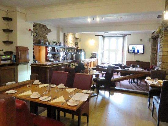 Llangattock, UK: Dining Room at Breakfast (23/Jun/17).