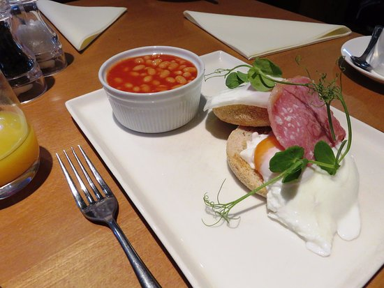 Llangattock, UK: Breakfast was average at Old Rectory Hotel (23/Jun/17).