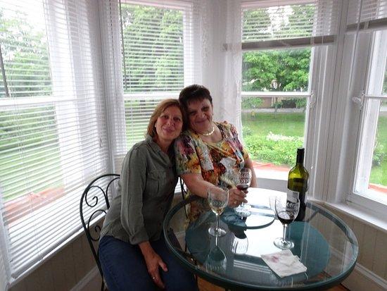 La Maison de l'Ermitage : Sharing a glass of wine upon arrival.