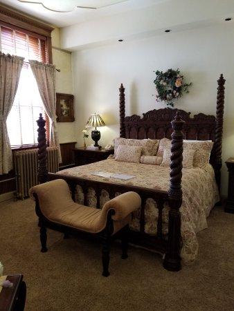 Carr Manor: 20170623_152223_large.jpg