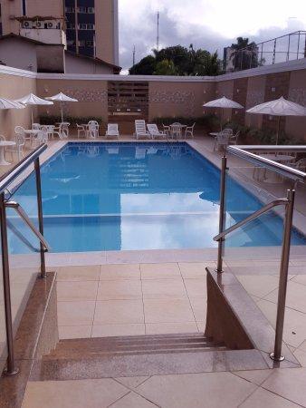 Piscina do hotel Rafain Centro