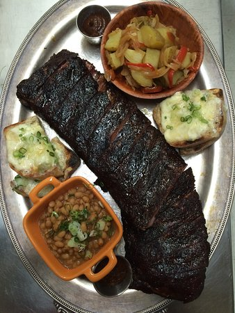 Elkwater, Canada: Smoked ribs and fixins!