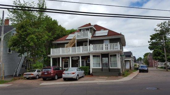 Colonial Charm Inn, 9 Euston St Charlottetown