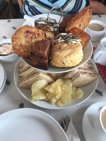 Brynsiencyn, UK: The afternoon tea