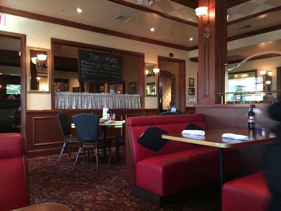La Quinta, CA: Inside the restaurant