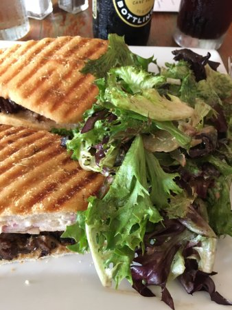 Mattituck, NY: Steak sandwich with red onions and horseradish mayo