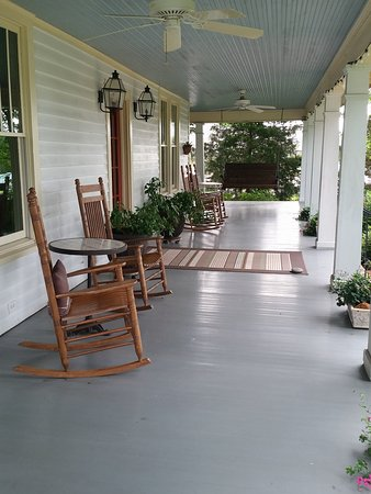 Pittsboro, NC: porch