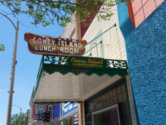 Grand Island, NE: Quaint entrance