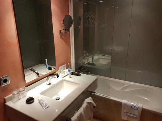 Hotel America Vigo: 20170626_030124_large.jpg