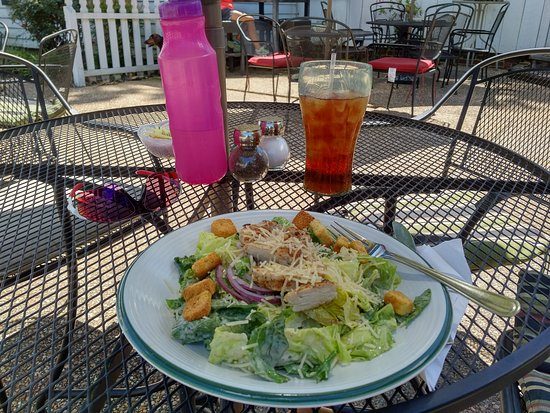 CourtHouse Grille: Cul's,  it's where the Cool Kids stop to eat after a long ride down the Capitol Trail. Thank You