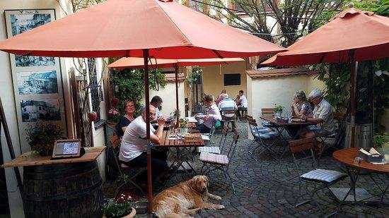 Plauen, Deutschland: Part of the Courtyard Biergarten