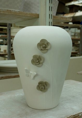 Belleek, UK: Hand Crafted Flowers After Application