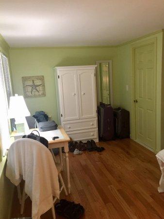 The Escape Inn: photo1.jpg