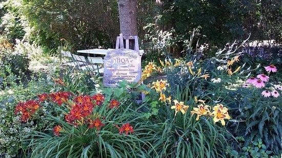 Oka, Canada : les jardins de la cremerie et savonnerie Nhoa'z eden