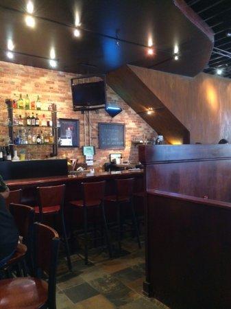Lowell, MI: Bar Area