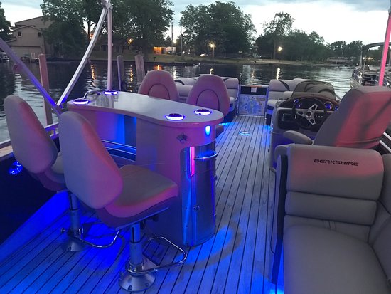 Lake Orion, MI: Orion Marine Pontoon Rentals & Historical Boat Tours