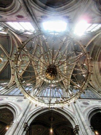 Votivkirche: Look up...