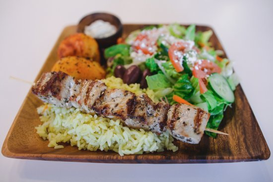 Aurora, Канада: Chicken Souvlaki Plate Meal