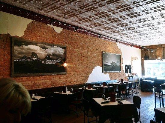 Three Peaks Dinner Table: Three Peaks Restaurant