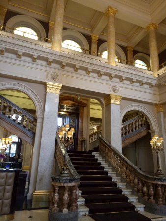 The Grosvenor Hotel: grand staircase