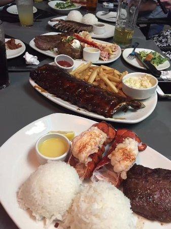 Outback Steakhouse: 我们点的主菜