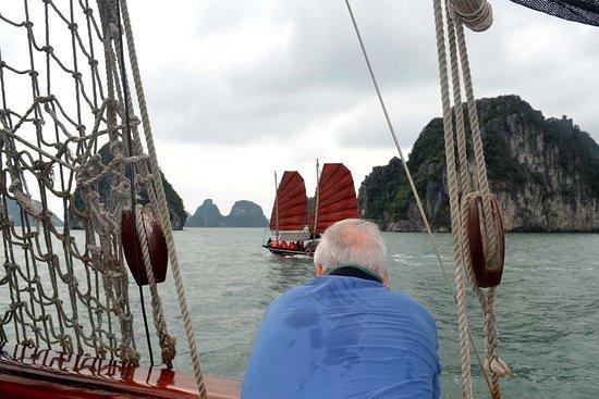 Lao Cai, Vietnã: Ladybird Sapa - Classic Sailboats in Lan Ha Bay