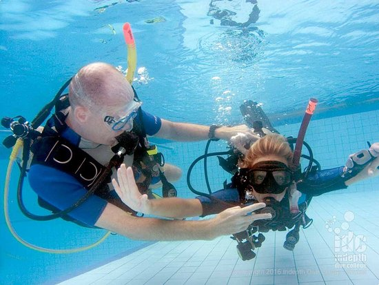 Чалонг, Таиланд: Learn to Dive on Phuket with Indepth Dive Centre your personal PADI Dive Centre