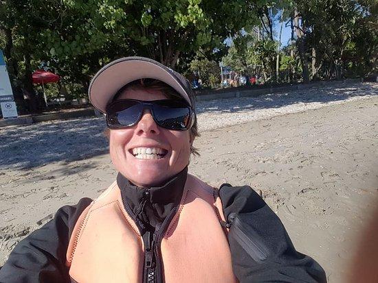 Мейн-Бич, Австралия: Tonia doing an ambush selfi on our camera - she is a riot