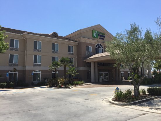 Holiday Inn Express Hotel & Suites Porterville: photo0.jpg