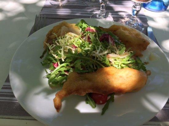 Utelle, France: entrée beignets fleurs de courgettes