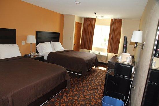 Econo Lodge Inn & Suites Picture